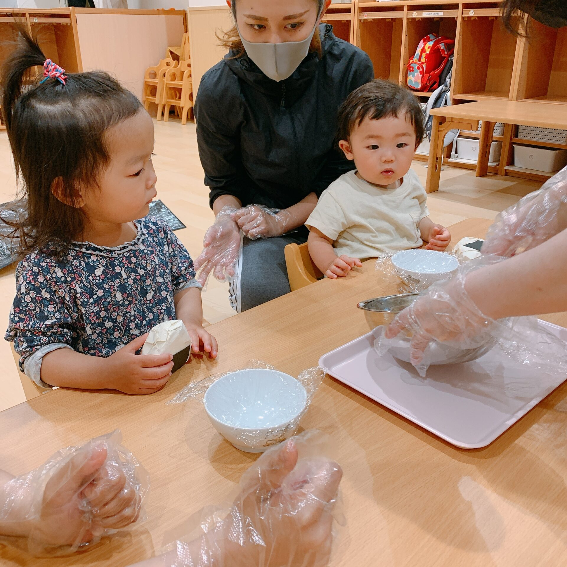 おにぎり作りで食育♪|大阪の企業主導型保育園リコラ
